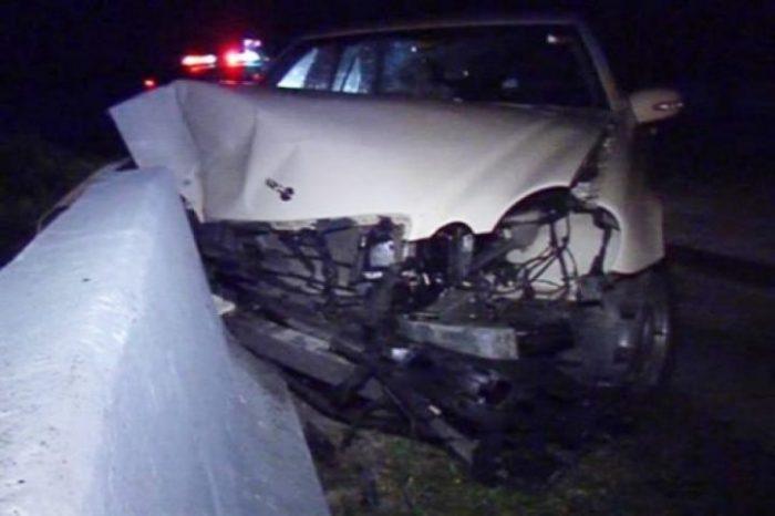 Un șofer care a adormit la volan s-a izbit cu mașina într-un podeț, la Forăști