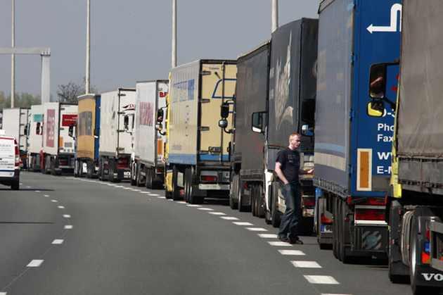 Restricții de circulație pentru mașinile de mare tonaj din cauza caniculei