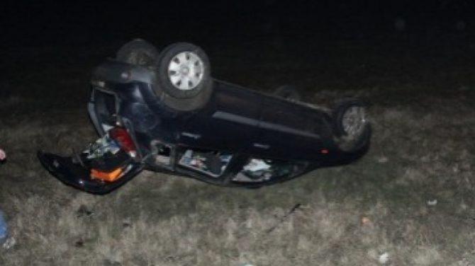 Conducător auto din județul Alba cu mașina răsturnată la Grămești