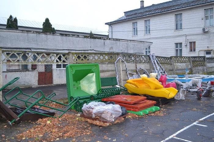 obiecte loc de joaca teren de sport Scoala Cuza 02.10.2014