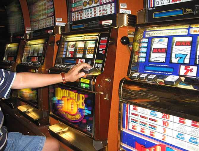 """Mihalescul dă și luptă cu jocurile de noroc: """"Nu s-a îmbogăţit niciun jucător, ci doar unii patroni"""""""