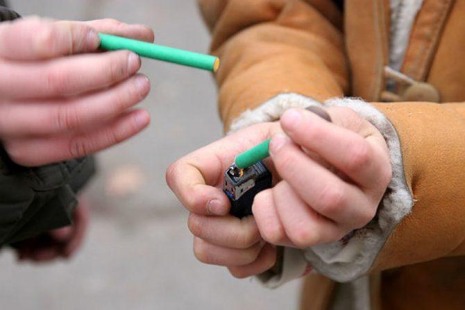 Atenție la obiectele pirotehnice! Un minor din Mălini s-a ales cu răni grave după ce o petardă i-a explodat în mână