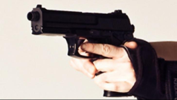 Valutist împușcat de fratele său în centrul Sucevei. Cei doi aveau un conflict mai vechi