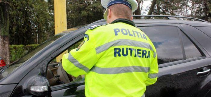 Șofer fără permis la volanul unui autoturism neînmatriculat, la Călinești