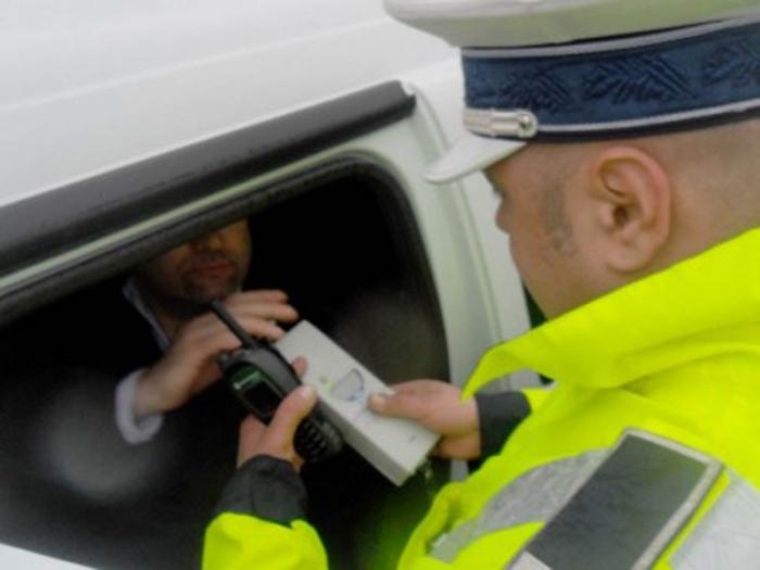 Șoferi băuți opriți de polițiști la Boroaia și Moldovița