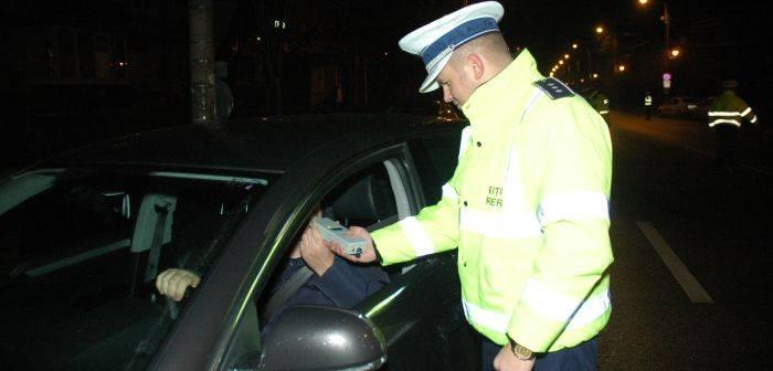 Șoferi cu alcoolul în cap, prinși de polițiști la Dolhasca, Vadu Moldovei și Vatra Dornei