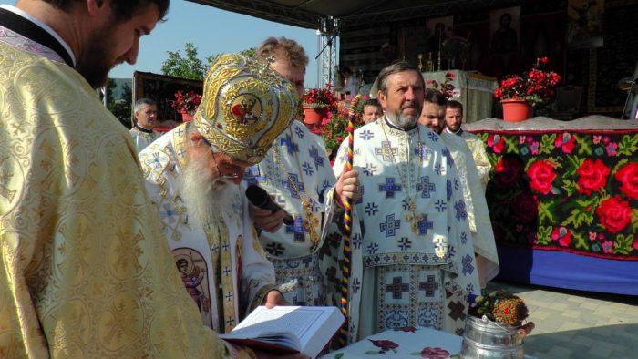 Preotul Gheorghe Saftiuc, protectorul orfanilor din Dolhasca, a încetat din viață