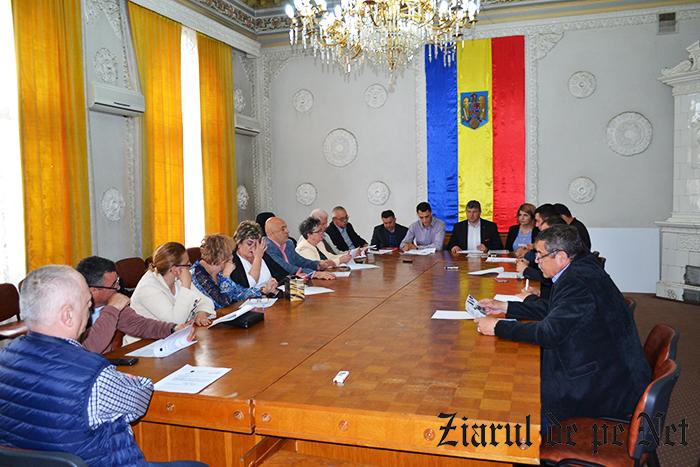 Consiliul Local Fălticeni a aprobat co-finanțarea pentru 3 proiecte de investiții la unități de învățământ