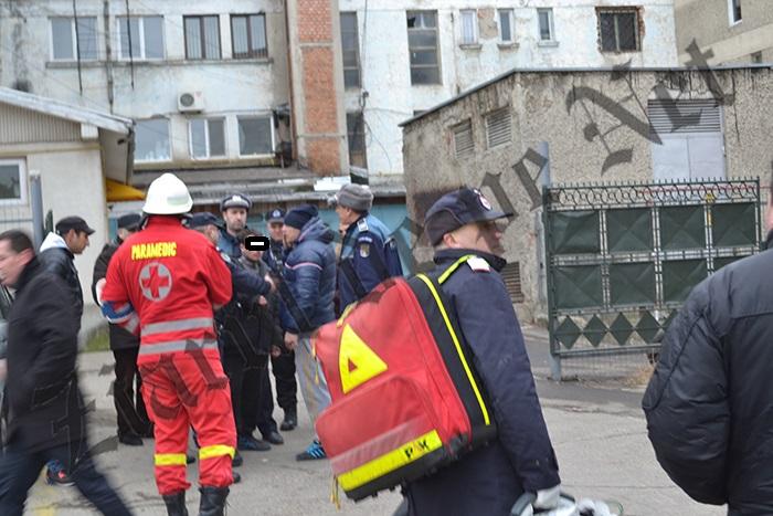 Un tânăr s-a urcat pe o antenă radio din centrul municipiului Fălticeni și a amenințat că se aruncă