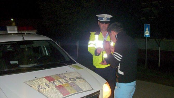 Bărbat din Slatina băut și fără permis depistat de polițiști la volan