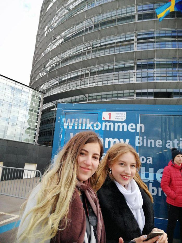 """Elevii de la C.N. """"Nicu Gane"""" din nou în Parlamentul European"""