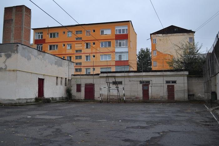 teren sport Scoala Cuza Falticeni 02.10 (1)