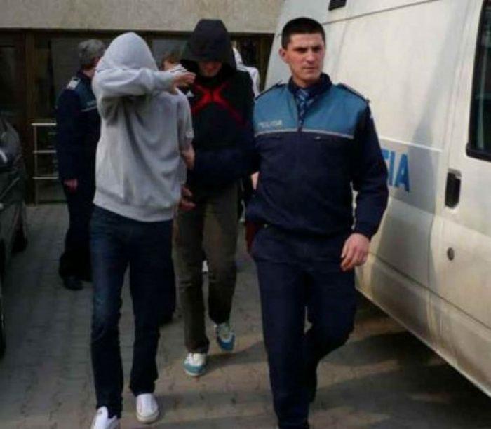 Doi suceveni reținuți în arestul Inspectoratului de Poliție după infracțiuni la regimul rutier