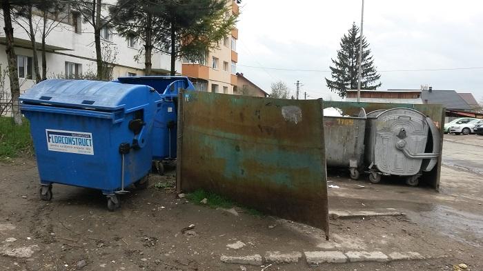 Consilierii locali chiulesc, Suceava este salubrizată de doi operatori fără contract