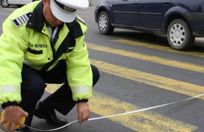 Șofer căutat de polițiștii suceveni după ce a lovit un pieton pe zebră și a părăsit locul accidentului