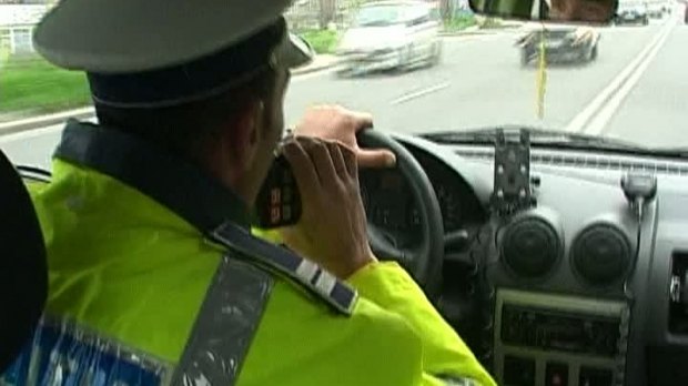 Un șofer beat nu a oprit la semnalele polițiștilor