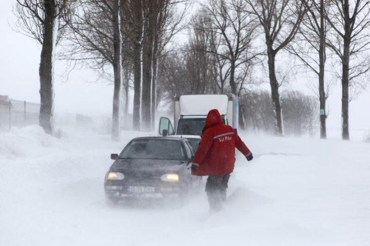 Județul Suceava, două zile sub cod galben de lapoviță, ninsori abundente și viscol