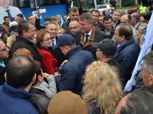vizita electorala Klaus Iohannis la Falticeni 22.10 (27)